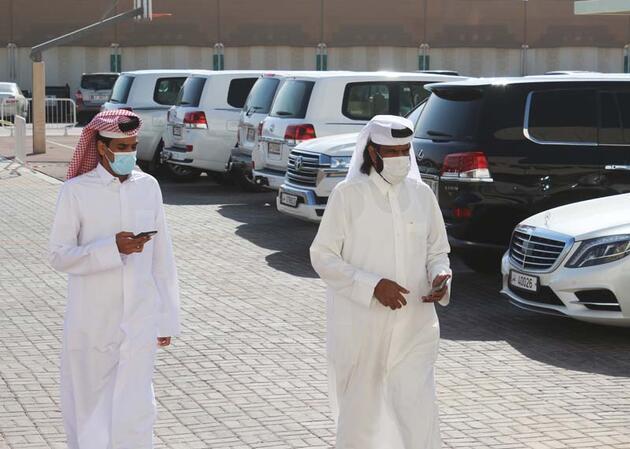 Katar'da ilk kez yapılan milletvekili seçimleri için oy verme işlemi başladı