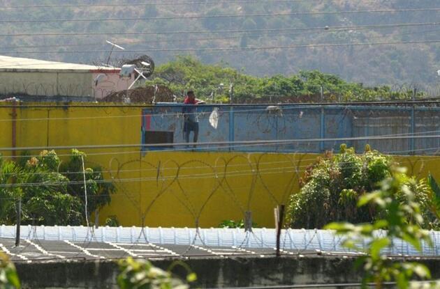 Ekvador'da cezaevinde çeteler arasındaki çatışmalarda ölenlerin sayısı 118'e ulaştı