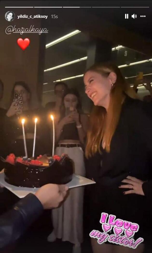 Hazal Kaya yeni yaşını kutladı!