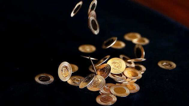 Altın ve dolar köşe kapmacaya devam ediyor