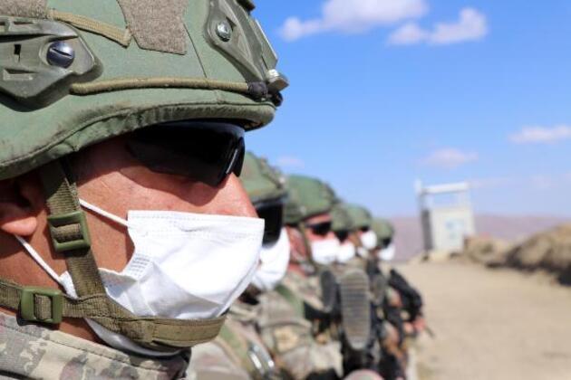 'Hudut Kartalları' sınırı yerli ve milli silahlarla koruyor