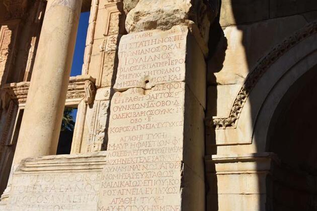 Tarih turizminin gözdesi Efes'te pandeminin izleri siliniyor