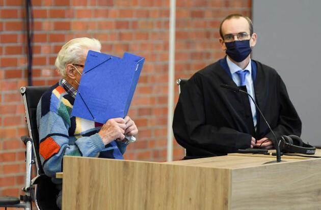 100 yaşındaki eski Nazi üyesi hakim karşısında