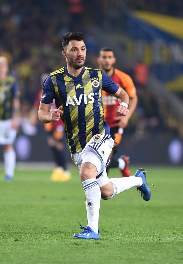 Son dakika... Emre Belözoğlu'nun ilk transferi Tolgay Arslan!