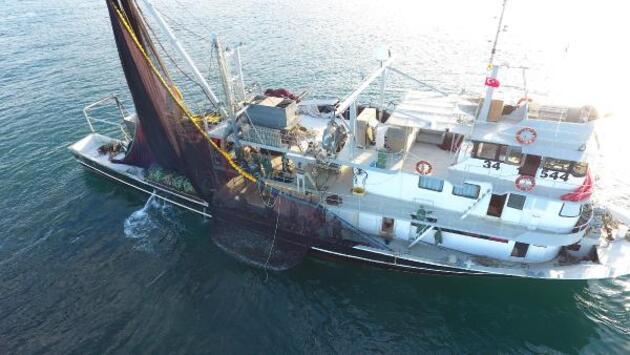 'Karadeniz'in incisi' hamsi tezgahta yerini aldı; kilosu 25 lira