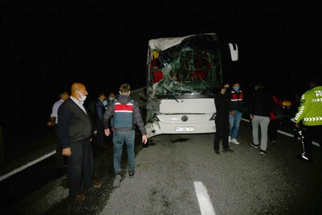 Öğrencileri taşıyan otobüsler kaza yaptı! Çok sayıda yaralı var