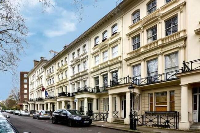 Londra'da 12 milyon liraya ev aldılar