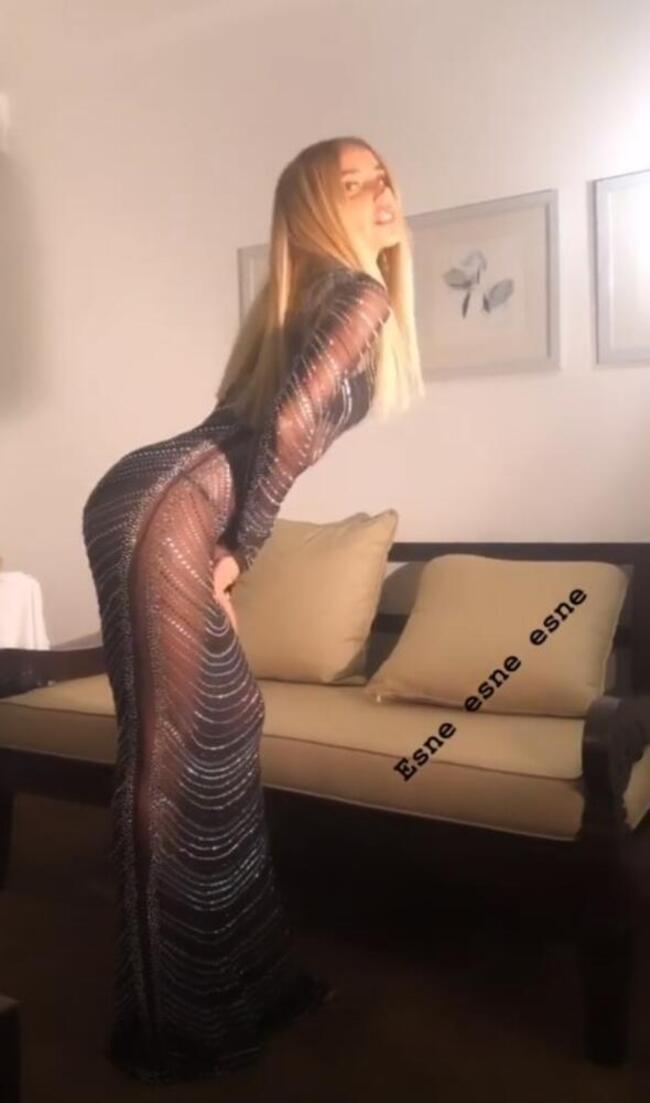 Gülşen'in bikinisi sosyal medyayı salladı!