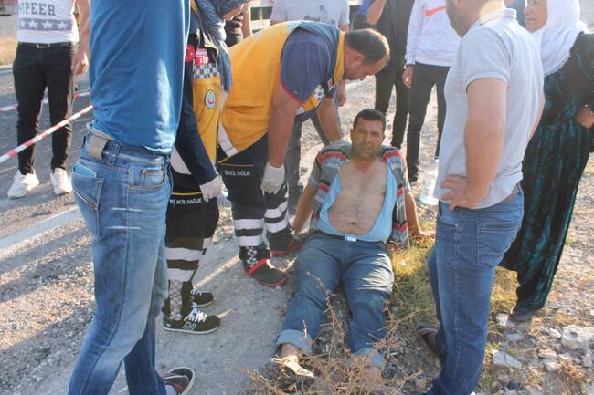 Aksaray'da otomobil TIR'a çarptı! Anne ve oğlu can verdi