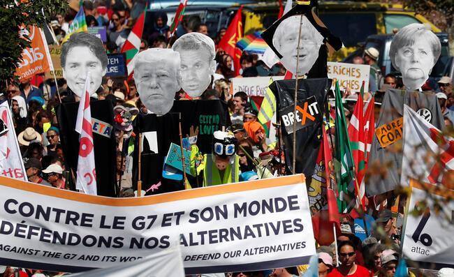 G7 Zirvesi karşıtı eylemciler gösteri düzenledi