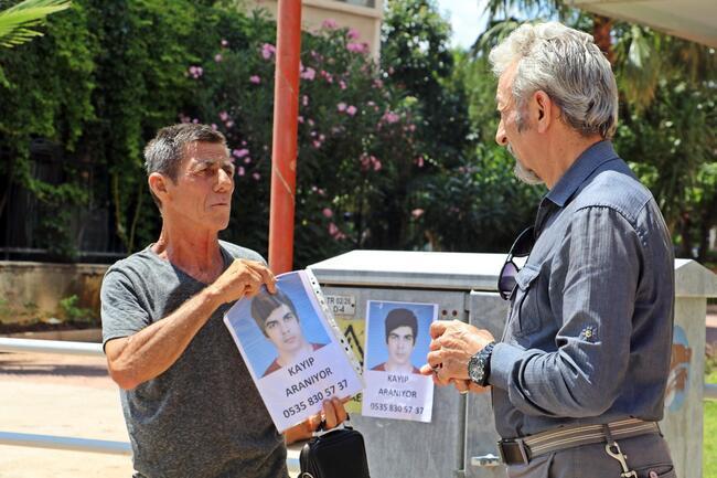 Oğlunun kıyafetlerini giyip sokak sokak aramıştı... 2 ay sonra cesedini teslim aldı
