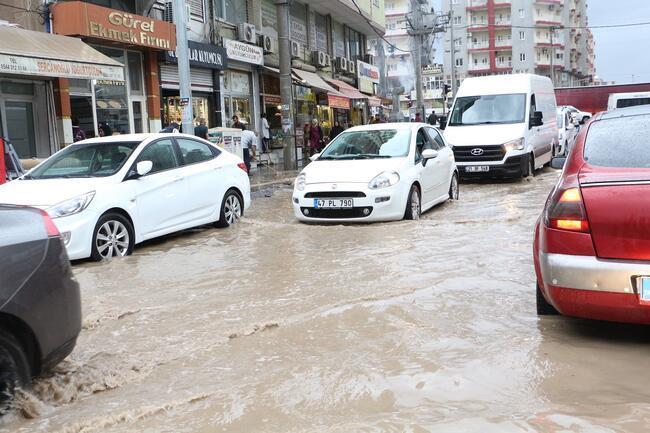 Mardin'de sağanak yaşamı olumsuz etkiledi