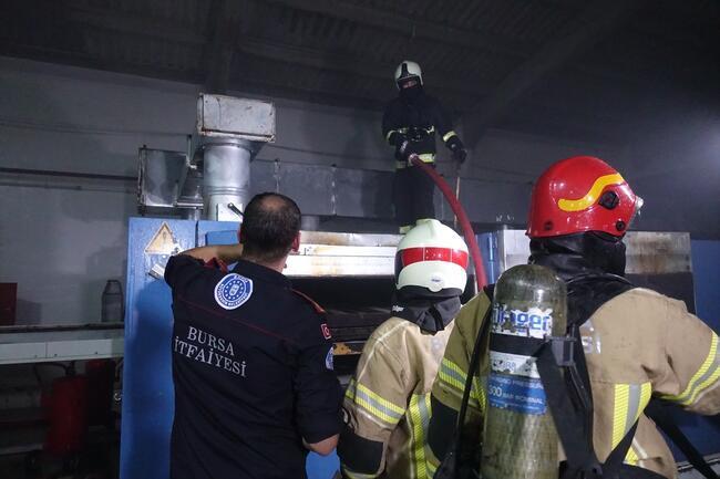 Bursa'da tekstil fabrikasında yangın