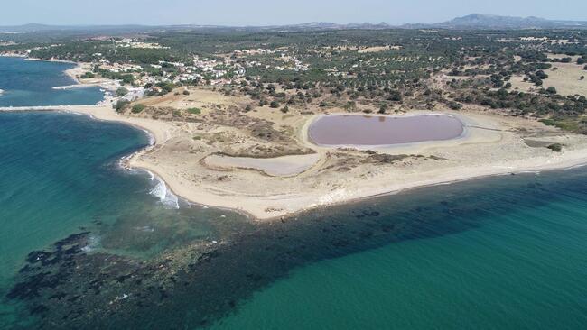 Kalp şeklindeki 'pembe göl' turizme kazandırılacak