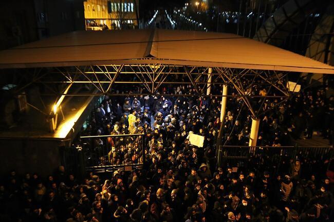 Tahran karşıtı: Yalancılar istifa
