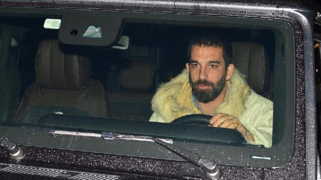 Galatasaray'da kritik Arda Turan görüşmesi!
