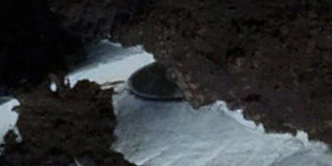 UFO avcıları buldu: Antarktika'da esrarengiz nesne