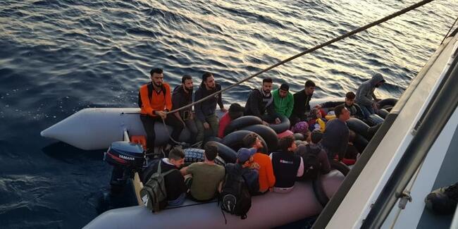 Didim açıklarında 61 kaçak göçmen yakalandı