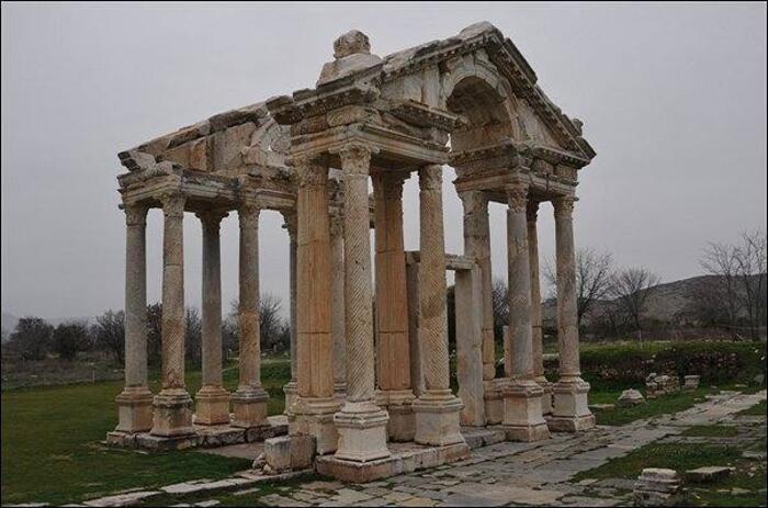 Afrodisias Antik Kenti Nerede? Afrodisias Antik Kenti'ne Nasıl Gidilir? Afrodisias Tarihi Ve Özellikleri... 14