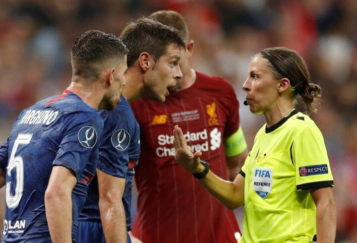 UEFA Süper Kupa finalini kadın hakemler yönetti