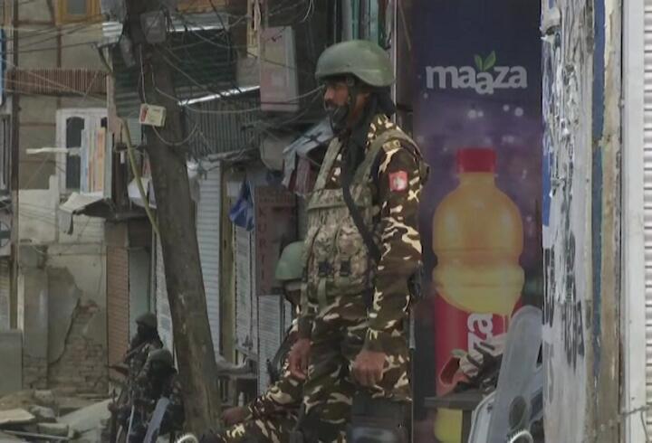 Keşmir'de tansiyon yüksek