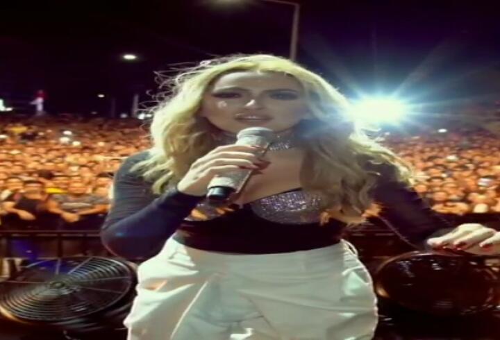 Hadise'nin 10 milyon takipçi sevinci!