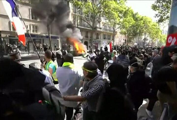 Fransa'daki gösteriler 45. haftasında
