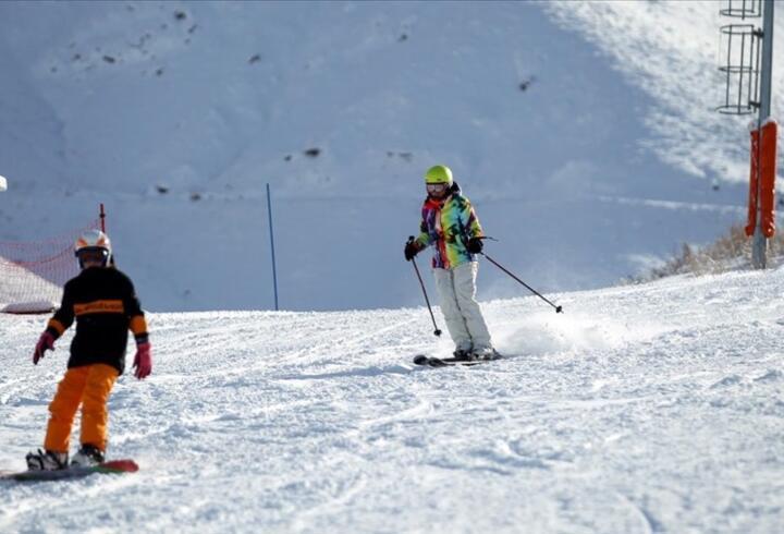 Kış turizminin gözde merkezi Palandöken turistlere güvenli tatil imkanı sunuyor