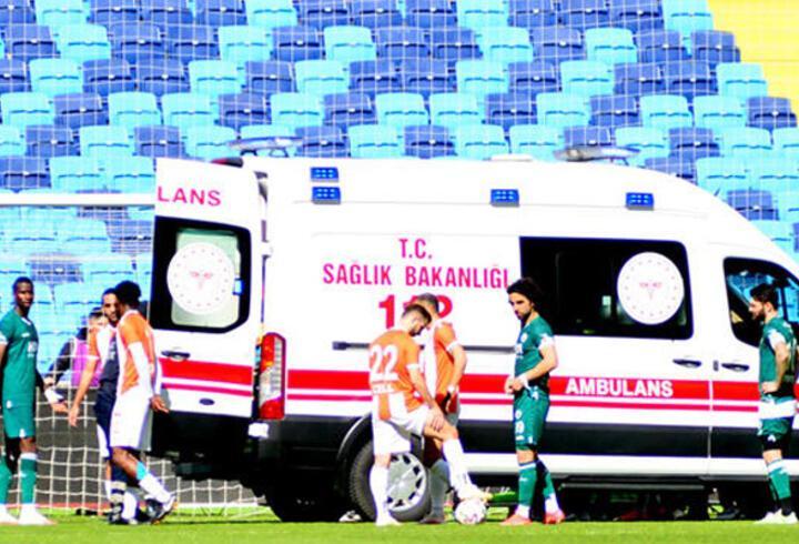 Son dakika... Adanaspor kalecisi Karacic maçta fenalaştı!
