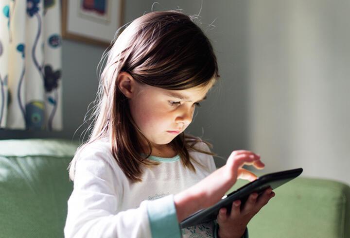 'Çocukların bilgisayar, cep telefonu alışkanlığı boyun kaslarını kısaltıyor'
