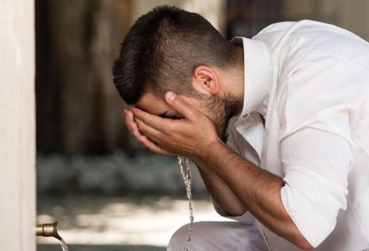 Cuma namazı için abdest nasıl alınır? Cuma namazı abdesti alınışı Diyanet! Abdest alırken okunacak dualar!