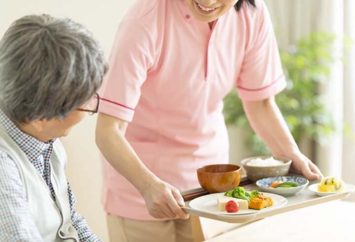İlerleyen yaşta beslenmeye dikkat