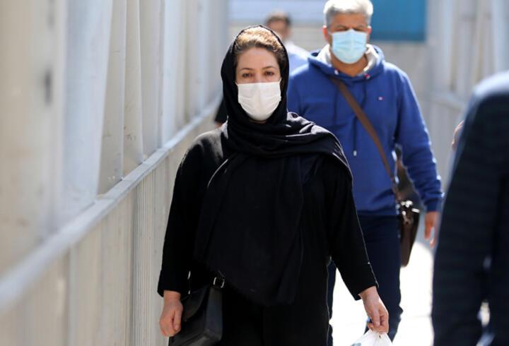 İran'da son 24 saatte 386 kişi COVID-19'dan hayatını kaybetti