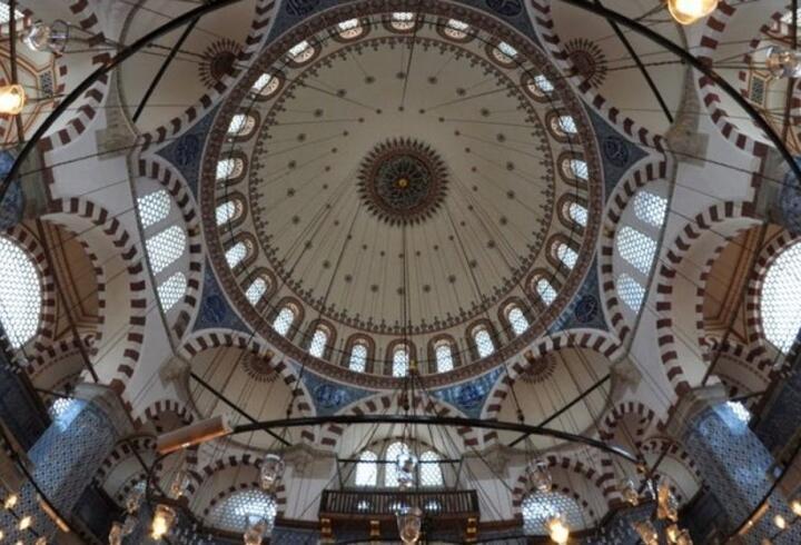 Rüstem Paşa Camii Nerede, Nasıl Gidilir? Rüstem Paşa Camii Hakkında Bilinmesi Gerekenler