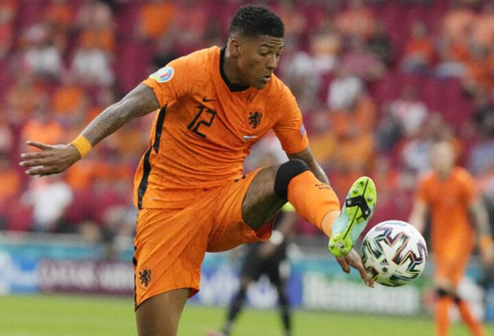 Son dakika Galatasaray transfer haberleri: Van Aanholt'un menajeri Türk Telekom Stadyumu'nda