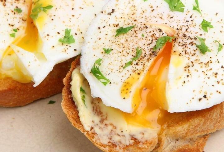 Rüyada Yumurta Görmek Ne Anlama Gelir? Rüyada Yumurta Kırmak, Yumurta Yemek Neye İşarettir?