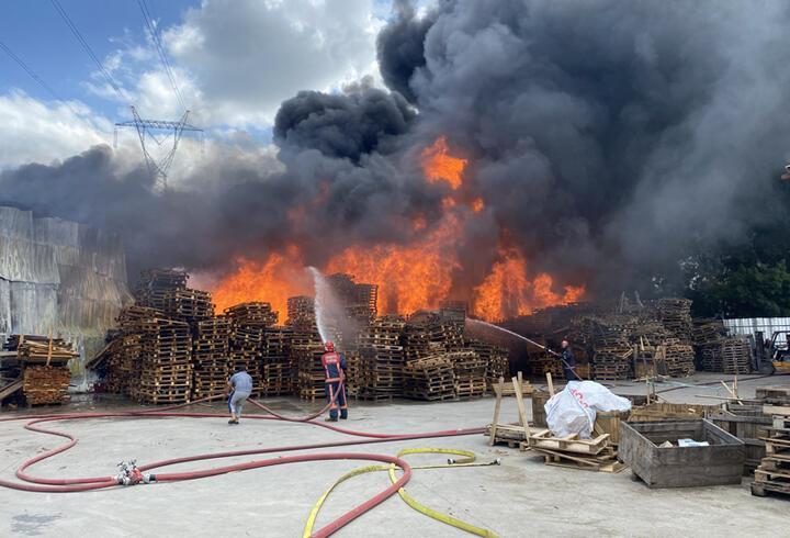 SON DAKİKA: Sakarya'da fabrika yangını!