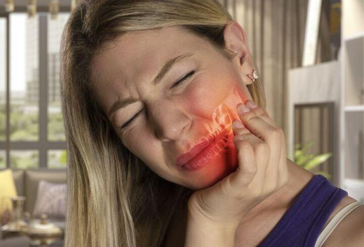 Çene eklemi ağrısı neden olur?