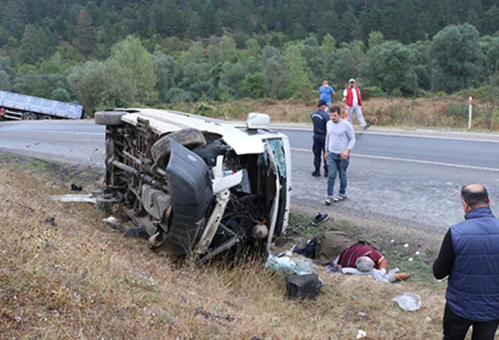 Bolu'da işçi servisi ile TIR çarpıştı: 13 yaralı