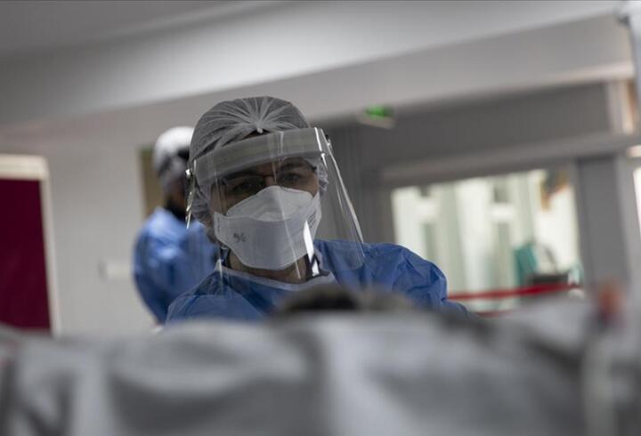 Kanser teşhisi konulan kişinin akciğerindeki kitle Kovid-19 tedavisi sonrası kayboldu
