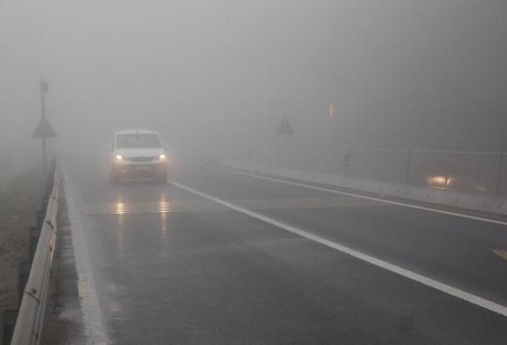 Bolu Dağı'nda sis ve yağmur
