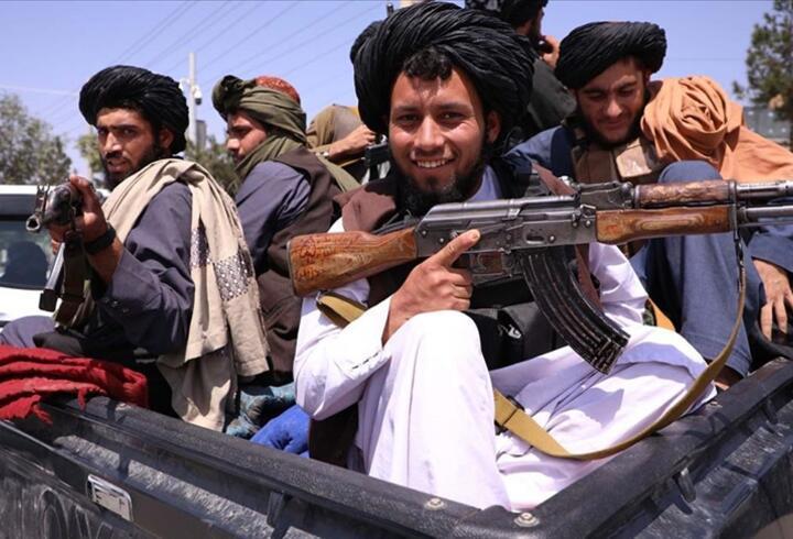 Taliban'dan kadınlara 'evden çıkmayın' çağrısı