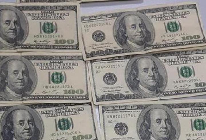 Sahte dolar bozdurmak isteyen 1 kişiye gözaltı