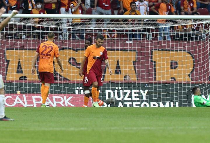 Son dakika... Galatasaray'da değişiklikler çözüm olmuyor