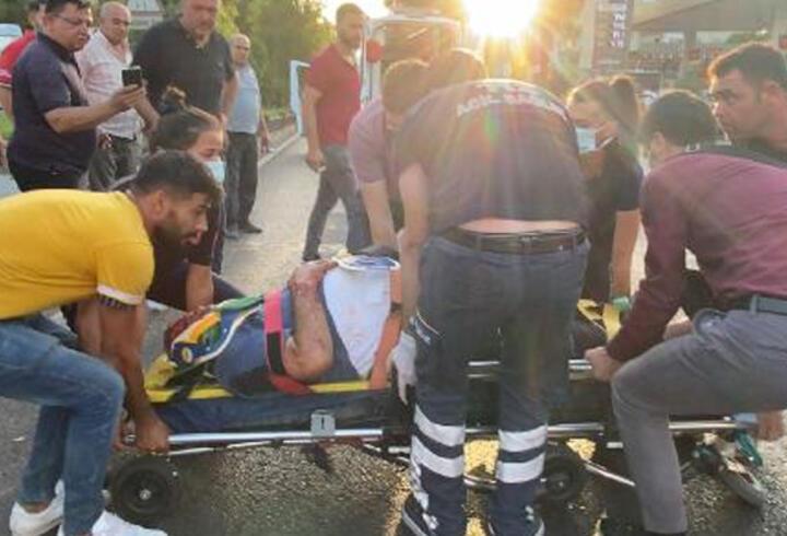 Otomobilin çarptığı elektrikli bisiklet sürücüsü yaşam mücadelesini kaybetti