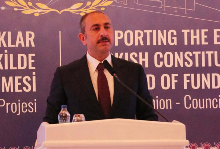 Bakan Gül: AYM kararlarına uyulması hukukun emredici hükmüdür