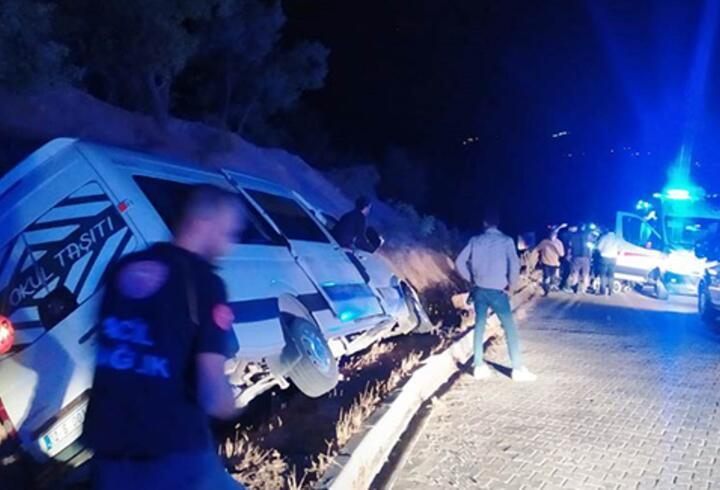 Adıyaman'da minibüs devrildi: 10 yaralı