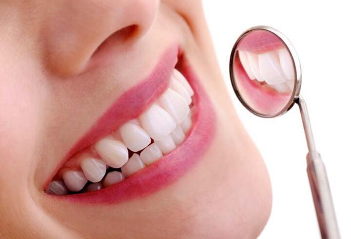 Evde diş beyazlatma neden tehlikeli?