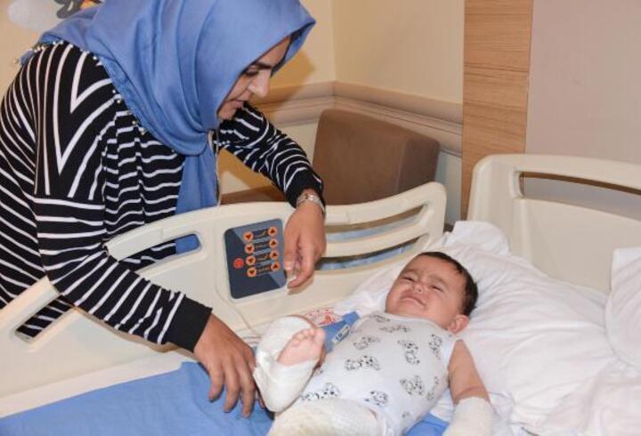 Çaydanlığı üzerine deviren İsmail bebek yaralandı