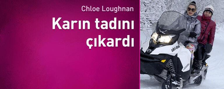 Chloe Loughnan karın tadını çıkardı